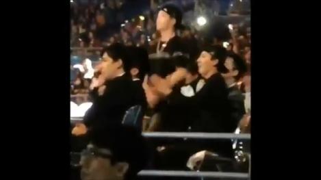MAMA 2014 MULTI FANCAMS EXO, YG WINNER, IKON Bobby _ BI – Reactions, Interactions, Ending..mp4_000561527