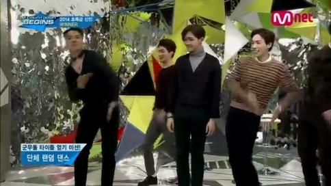 Mnet [엠카운트다운 비긴즈] Ep.18 - 군무돌로 거듭나기 위한 WINNER의 랜덤댄스 퍼레이드!.mp4_000105972