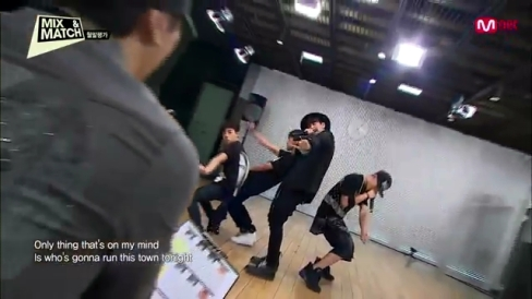 Mnet [MIX & MATCH] Ep.02 - 'iKON'이 되기 위한 첫 월말평가.MP4_001649981