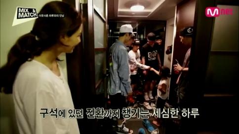 Mnet [MIX & MATCH] Ep.05- YG 여자 보컬과의 콜라보레이션 매치!.mp4_000835041
